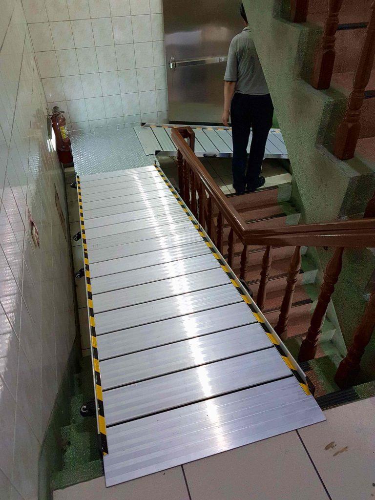 輪椅斜坡板組合式