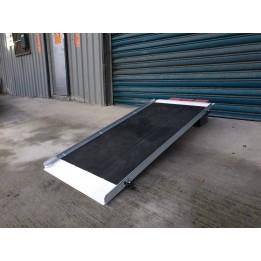 單片式玻璃纖維斜坡板 125公分