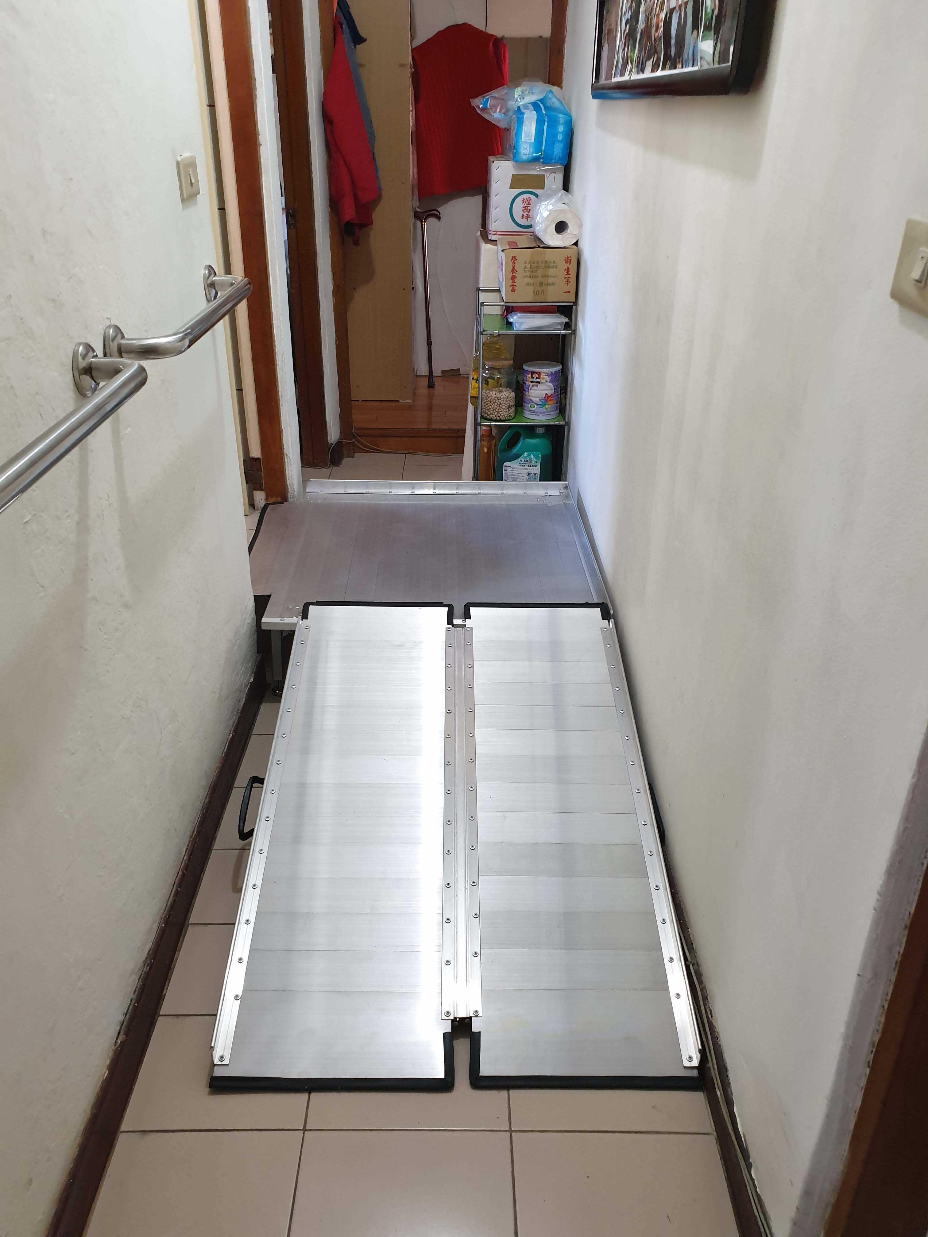 鋁合金平台搭配斜坡板架設完成