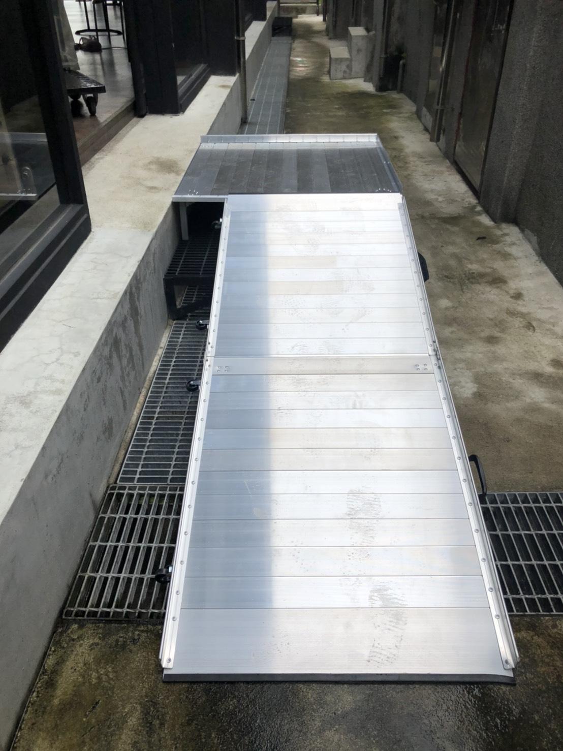 活動式斜坡板加鋁合金平台
