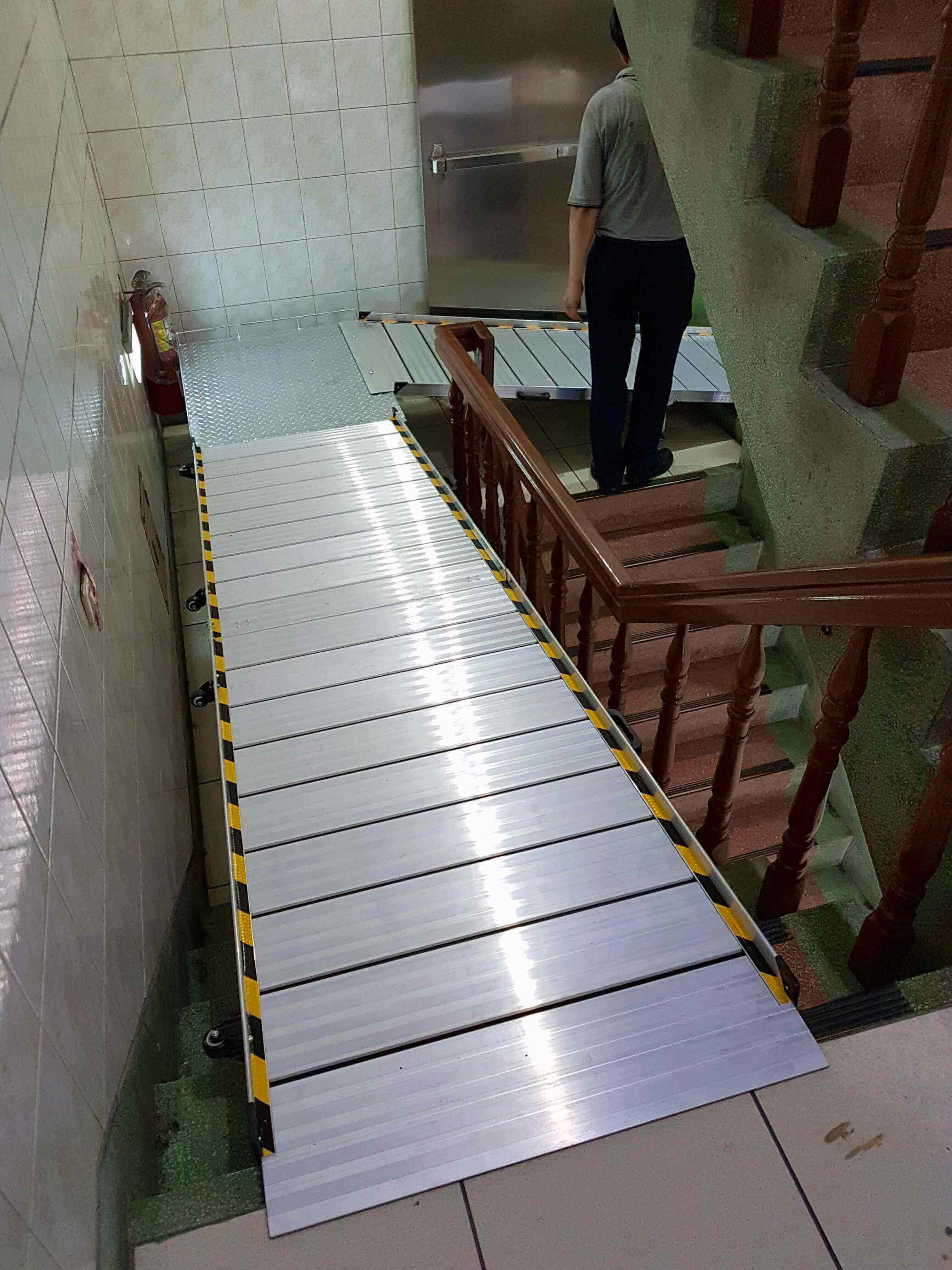 組合式斜坡板轉彎