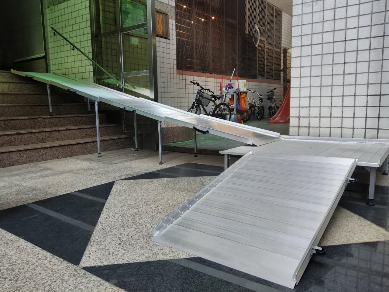 組合式斜坡板搭配鋁合金平台