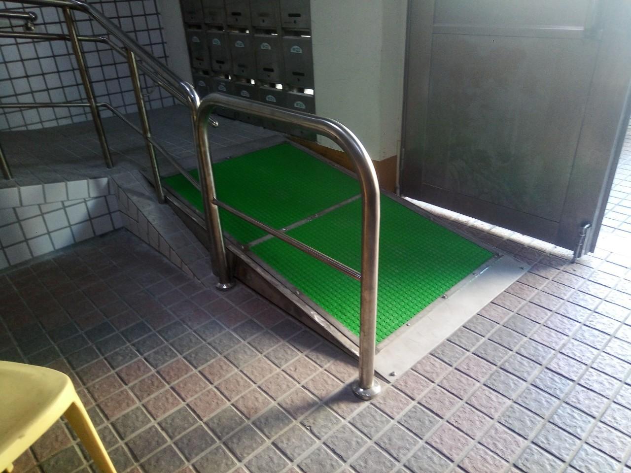 輪椅固定式斜坡道