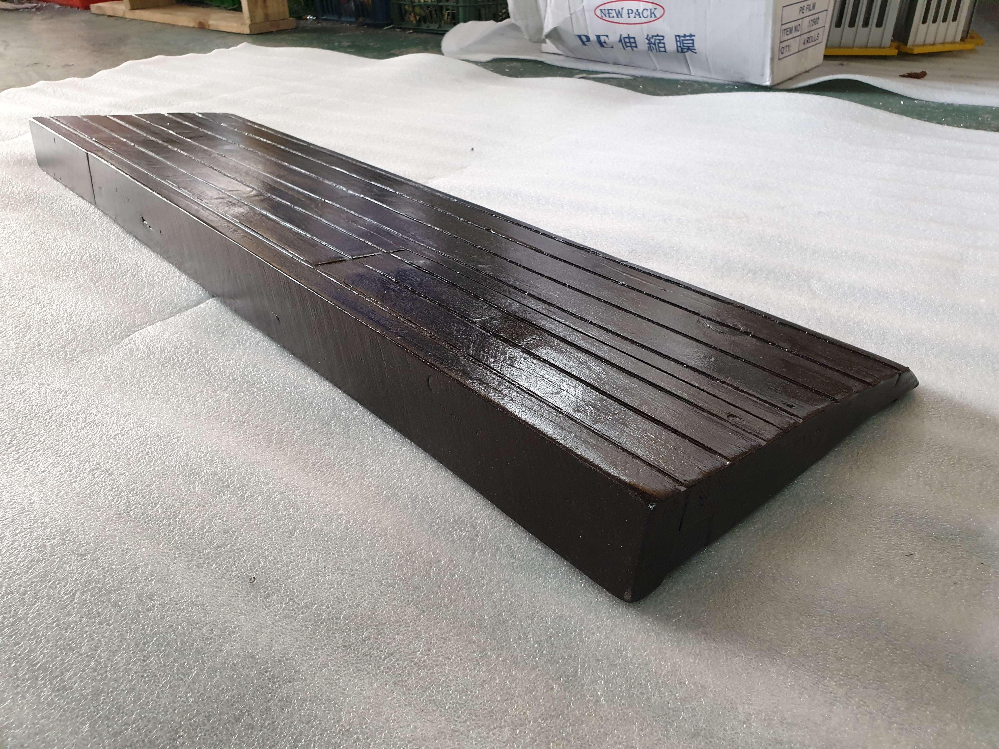 客戶選擇南方松訂做木製斜坡板